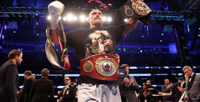 Усик победил Джошуа в бою за звание чемпиона мира в супертяжелом весе по версиям WBA/WBO/IBF/IBO