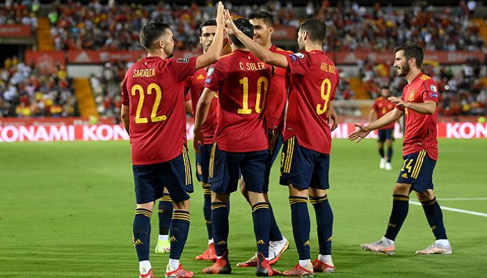 Испания забила четыре безответных мяча в матче против Грузии