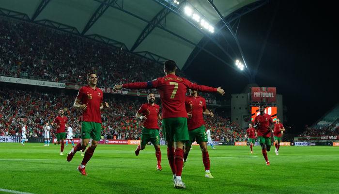 Португалия разгромила Люксембург. Роналду оформил хет-трик